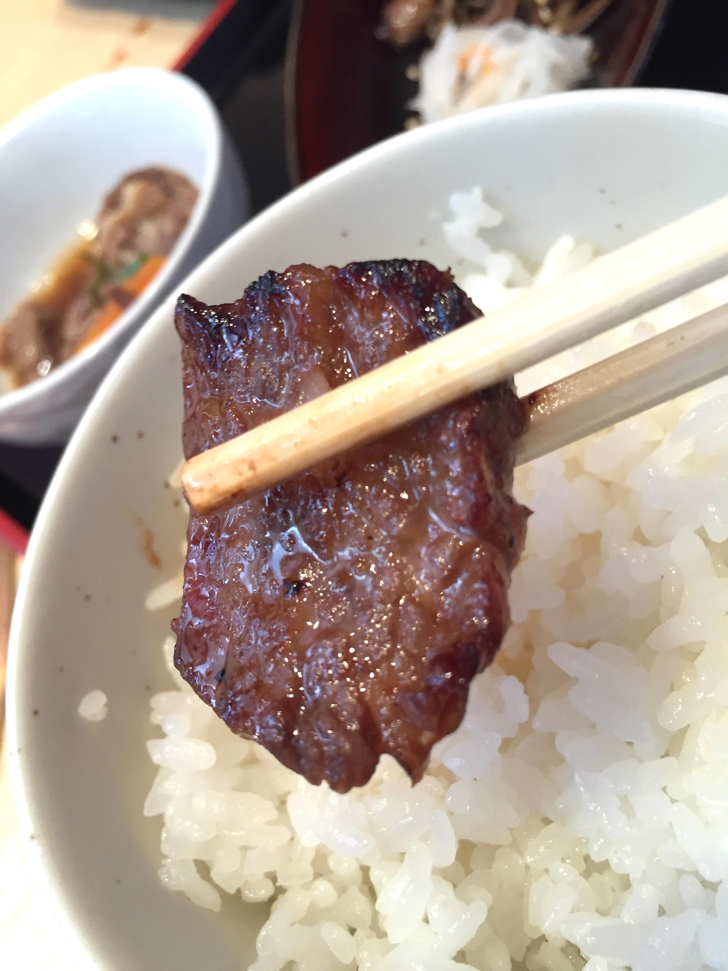 【和牛の宝石箱】お肉×うに×いくらの贅沢ご飯♪